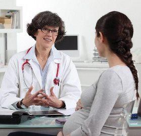 медик и женщина