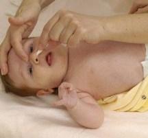 как новорожденному чистить носик