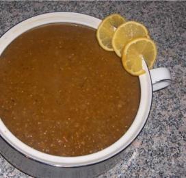 Суп из темной чечевицы и кабачков