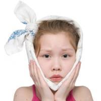 у ребенка болит зуб, чем обезболить