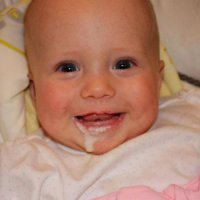 ребенок срыгивает свернувшимся молоком