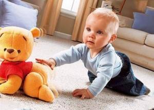 игрушка и ребенок