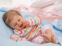 Выясняем причины, почему ребенок плохо спит ночью и днем в 6 месяцев. Как улучшить его сон?