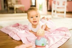 Обсудим, что должен уметь делать ребенок в 4 месяца. О нравственном, физическом, речевом развитии