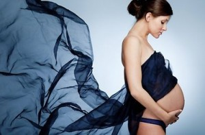 откуда выделения появляются у беременных
