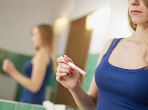 тест не показывает беременность а узи показывает