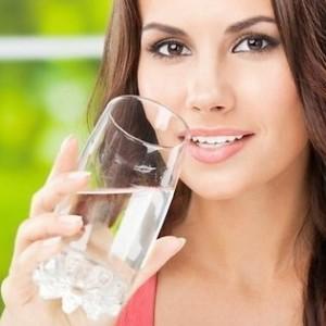 выпить за два часа до назначенного времени литр воды